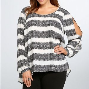 torrid Lace Print Split Sleeve Blouse